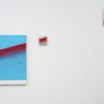 """""""Cartografia abstrata III"""", 2012, madeira, pintura esmalte e alfinetes de mapas"""