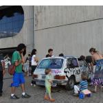 """""""Bater um VW Brasilia no predio do CCBB, desenhado por Oscar Niemeyer"""", 2010, VW Brasilia batida, dimensão variável (Performance realizada no Centro Cultural Banco do Brasil, Rio de Janeiro)"""