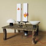 """""""Ebó"""", 2011, mecanismo elétrico, madeira, papel, gesso, dimensões variáveis"""