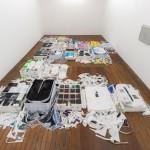 """""""As coisas estão no mundo"""", 2014, instalação, Galeria Vermelho, dimensões variáveis, foto: Edouard Fraipont"""