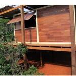 """Estações, 2012-2013, cabana de madeira em Nogueira, interior do Rio de Janeiro, parte do projeto """"Estações"""", para a 30a Bienal de São Paulo e 13a Bienal de Istambul, 500x700x400 cm"""