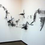 """""""Revel Livre"""", 2011, kits modeláveis de plástico, cola e parafusos na parede, dimensões variáveis"""