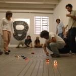 """""""Super 8"""", 2005, instalação realizada em parceria com Guga Ferraz, slot car e circuito, Galeria A Gentil Carioca, Rio de Janeiro, RJ"""