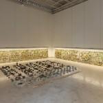 """""""Primeira Pedra"""", vista da exposição  na Galeria Mendes Wood, São Paulo, SP, 2015"""