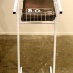 """""""B.O"""", 2010, publicação, 27 fotografias, impressão offset e papel couchê, cópias gratuitas, 28x32 cm"""