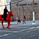 """Palomo"", 2012, registro fotográfico de performance, 100x150 cm"