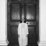 """Sim senhor"", 2010, registro fotográfico de performance, 70x50 cm"