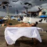 Quando Todos Calam, 2009, registro fotográfico de performance, 100x150 cm