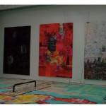 """""""Nascer"""", """"Viver"""" e """"Morrer"""", em Sao Paulo (políptico), 2008, colagem, spray e acrilica sobre mdf, 320x220 cm (cada painel) + prancha de skate, corrente e parafusos, trave de ferro e madeira e banco de madeira"""