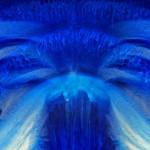 """""""Anjo do Mar"""", 2012, caixa de madeira, acrílico modificado, lâmpadas fluorescentes, 200 x 103 x 18 cm"""