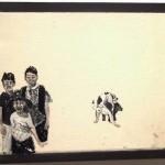 """""""O Descuido #12 - Família em Segundo Plano"""", 2013, óleo sobre tela 18x13 cm"""