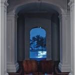 """""""Ao redor (Isso não é um vídeo clip)"""", 2000-12, videoinstalação, dimensões variáveis, duração 14'06"""", em parceria com Bruno Queiroz. Foto: Wilton Montenegro."""