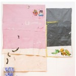 """""""Lisboa, porto seguro"""", 2014, acrílica, lápis, caneta sobre tela e sacos de farinha, concreto e tijolos, 305x297 cm, edição: N/A"""
