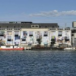 """Permuta entre Dois Estados Temporais"", 2013, fachada da La Sucrière, 12e. Biennale de Lyon, França"