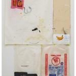 """""""Gin de Guerra"""", 2014, acrílica, esmalte sintético, lápis, caneta sobre tela e saco de farinha, 279x166,8x25 cm, edição: N/A"""