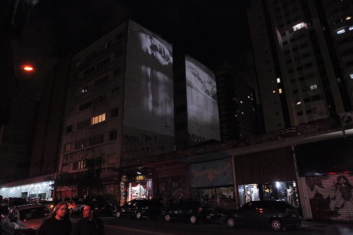 """""""Aphasia"""", 2011, vídeo instalação em projeção 4"""", foto: Virginia de Medeiros"""