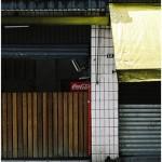 """""""Parado"""", 2011, intervenção, registro fotográfico montado em molduras de jequitibá-rosa (políptico), 55x37.5 cm (cada fotografia)"""