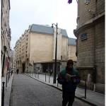 """""""Aspiro ao grande labirinto"""", 2013, leitura, registro fotográfico, texto e livro (tríptico), 29.7x21 cm (texto e fotografia), 21x14 cm (livro)"""