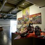 Thiago Martins de Melo apresenta um grande pintura e duas esculturas