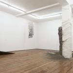 """Vista da exposição """"Slapstick"""", 2013"""