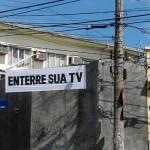 """""""Faixas de anti-sinalização"""", 2009, série de faixas instaladas na cidade"""
