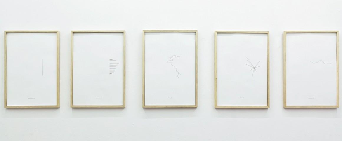 """""""Linhas"""", 2013 , serigrafia sobre papel, dimensões variáveis, de Clara Ianni"""
