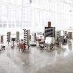 """""""Brutalismo Americano"""", 2015, pinças industriais e elementos de construção"""
