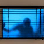 """Graciela Sacco.""""Tensíon Admisible - El Otro Lado"""". 2010/2014. Persiana e backlight. 30 x 40 cm."""